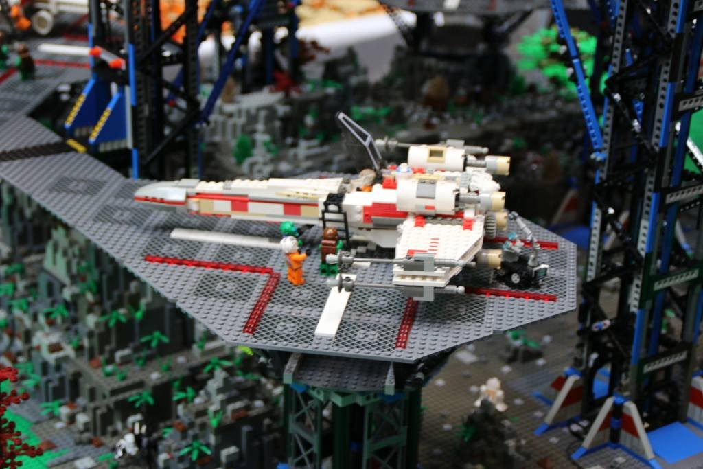 maker-faire-berlin-2017-013-lego-star-figther-star-wars