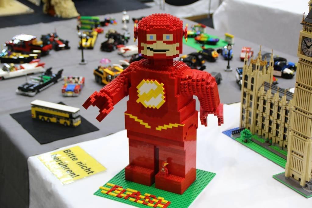 maker-faire-berlin-2017-021-lego-the-flash