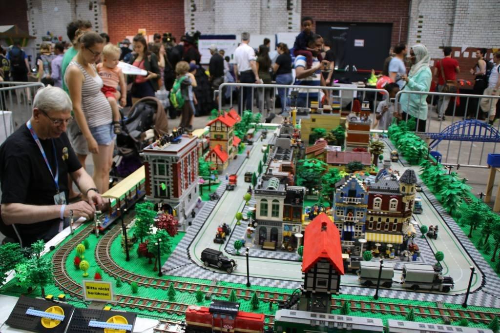 maker-faire-berlin-2017-026-lego-berlin-brick-syndicate