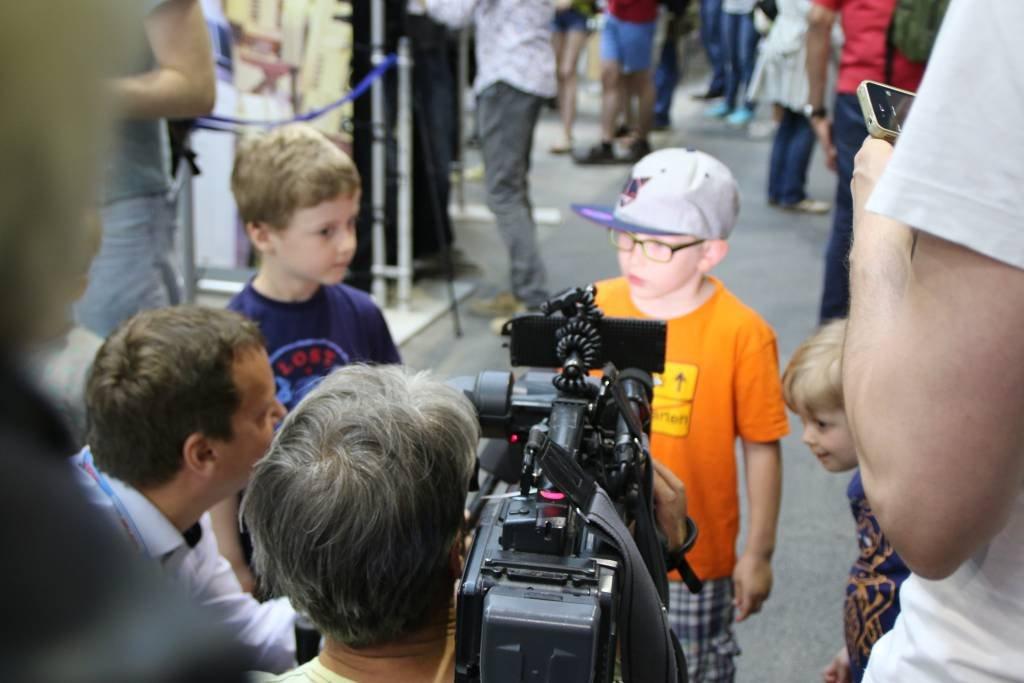 maker-faire-berlin-2017-029-n24-interviewt-kids