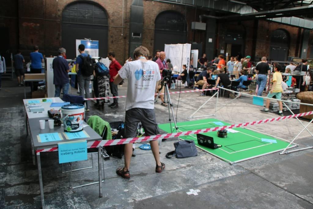 maker-faire-berlin-2017-183-iceberg-robots