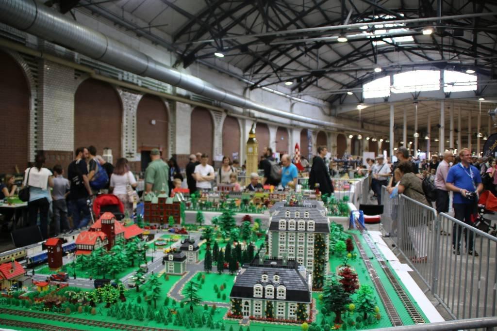 maker-faire-berlin-2017-203-lego-spiesser-stadt