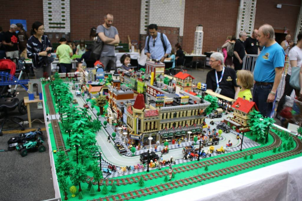 maker-faire-berlin-2017-205-lego-stadt