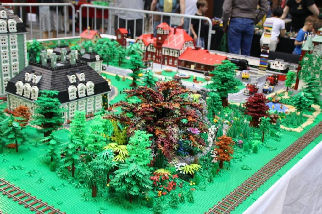 maker-faire-berlin-2017-206-lego-wald-park
