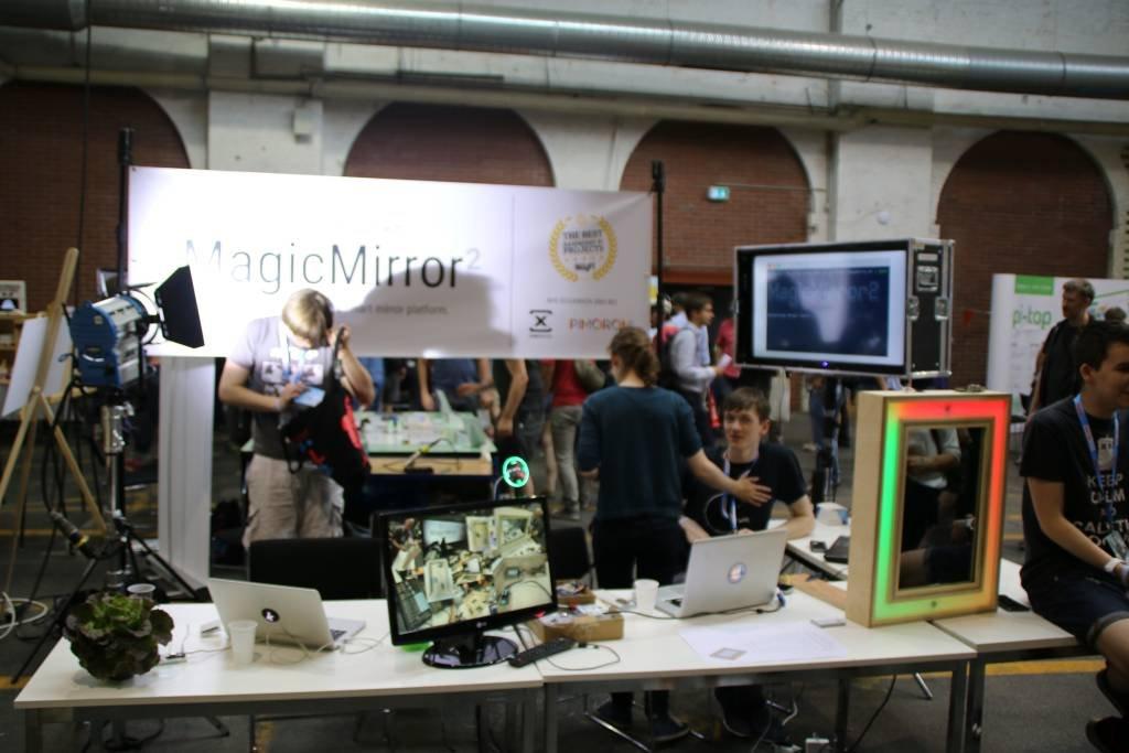 maker-faire-berlin-2017-209-magic-mirro-stand-ganz