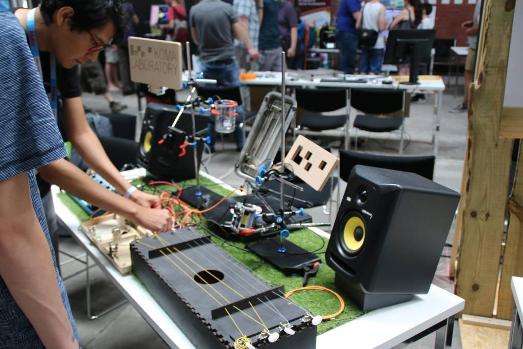maker-faire-berlin-2017-251-electronische-gitarre