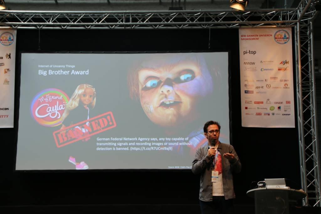 maker-faire-berlin-2017-265-sascha-wolter-my-firend-cayla-banned