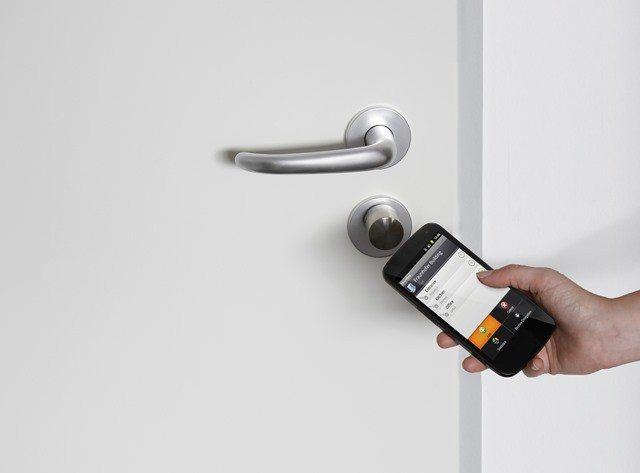 CeBIT 2013: Durchs Fraunhofer schließen wir Türen demnächst mit Handy und NFC auf