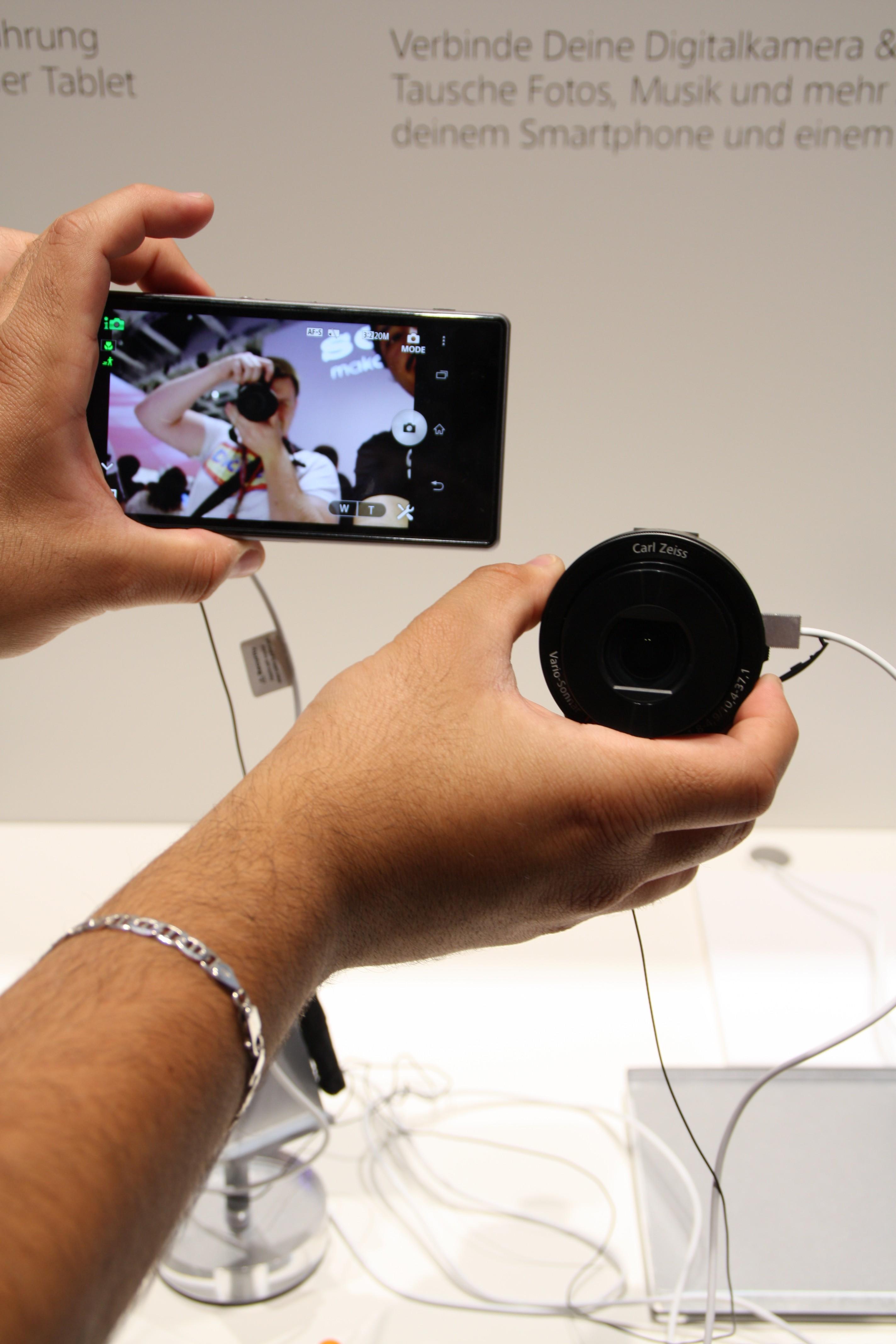 Sony Cybershot QX100 im Selfshot