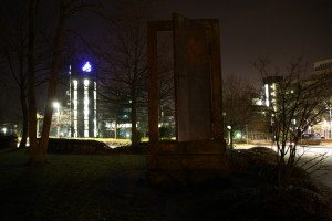 Uni-Paderborn-Denkmal-Tuer