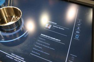 Bauknecht-interaktive-Kochplatte-Telefon