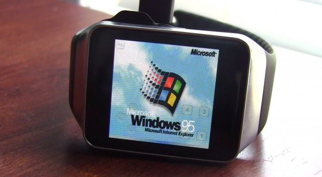Windows 95 auf der Smartwatch Samsung Galaxy Gear Live