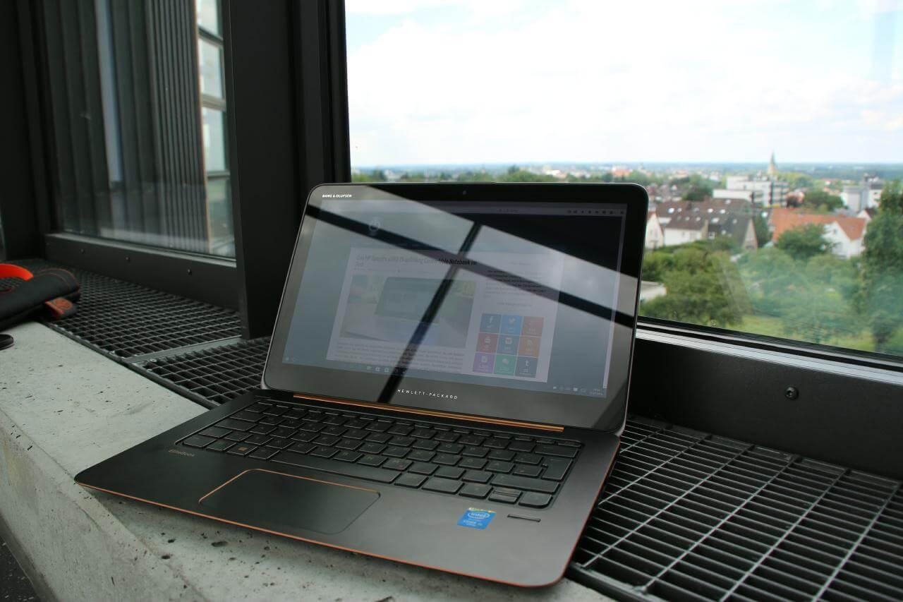 HP Elitebook 1020 G1 aufgeklappt Aufmacher Bild